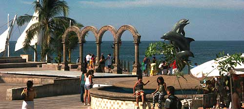 Los Arcos Amphitheater and the beginning of world famed bronze statues along the Malecón