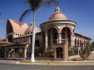 Puerto Vallarta surprises the visitor with some diverse architecture